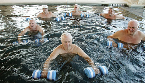 senior-water-exercise
