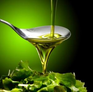 El aceite de oliva virgen extra (AOVE) es la grasa ideal para los deportistas y uno de los mejores antioxidantes.